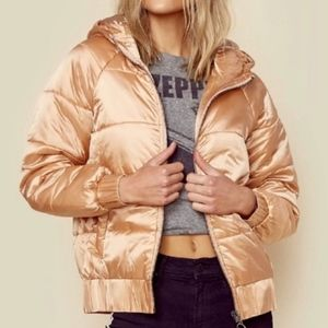 NWT MinkPink Hooded Puffa Jacket Dusty Pink Gold